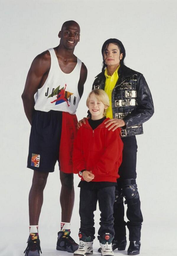 Michael-Jordan-Macaulay-Culkin-and-Michael-Jackson[1]