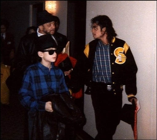 Michael Jackson 1985: Michael Jackson And James Safechuck (1987-1992)